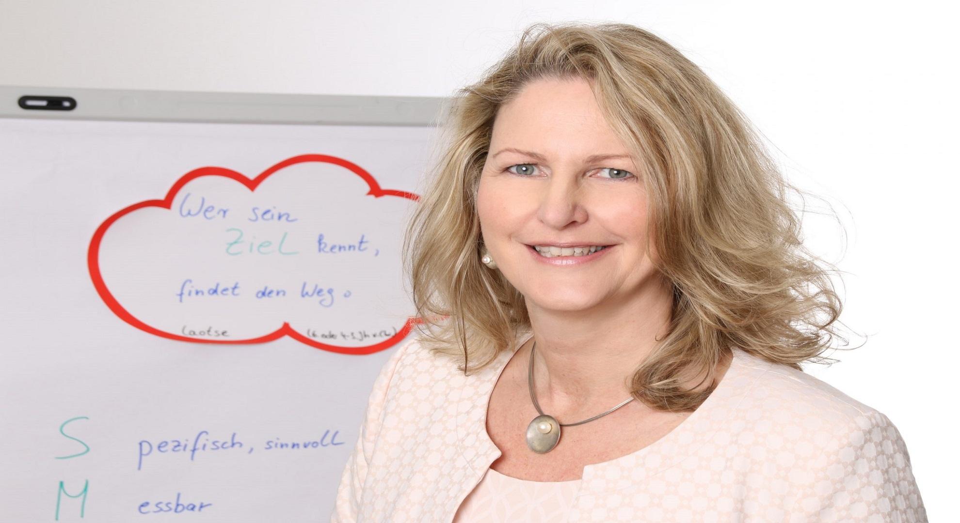 Positiv abheben Mitarbeiterführung Fachkräftegewinnung Unternehmersparring Businesscoaching